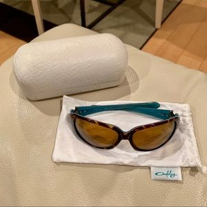 Oakley polarized sunglasses with dust bag and case